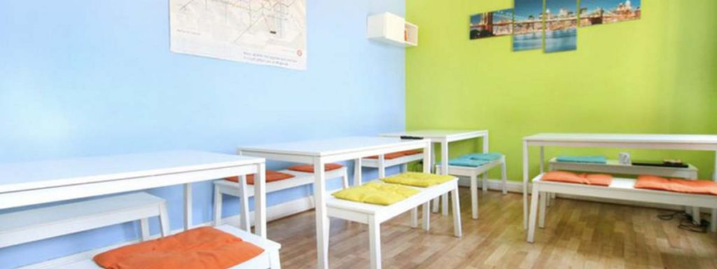 Common Room with Sky TV - New Cross Inn Hostel